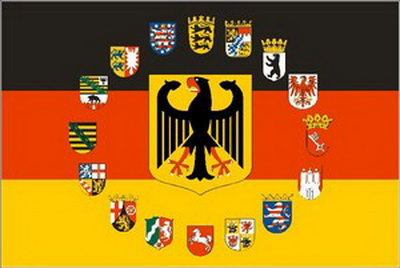 flaggenparadies deutschland flagge mir adler und wappen aller 16 bundesl nder fahnen aus. Black Bedroom Furniture Sets. Home Design Ideas